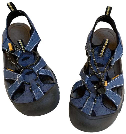 Preload https://img-static.tradesy.com/item/26161748/keen-blue-venice-sandals-size-us-8-regular-m-b-0-1-540-540.jpg