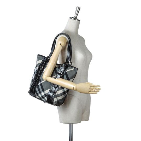 Burberry 9dbuto022 Vintage Leather Tote in Black Image 3