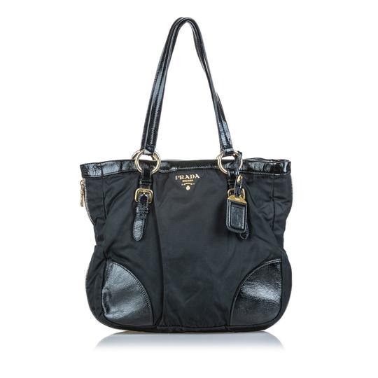 Prada 9dprto037 Vintage Patent Leather Tote in Black Image 1