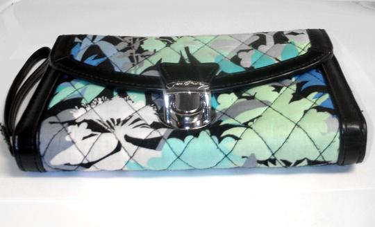 Vera Bradley All in One ID Wristlet Accordion Camofloral Image 1