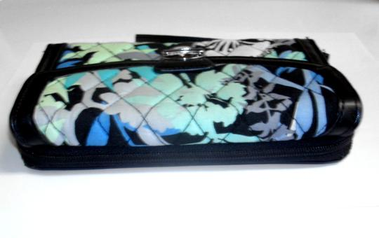 Vera Bradley All in One ID Wristlet Accordion Camofloral Image 2