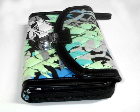 Vera Bradley All in One ID Wristlet Accordion Camofloral Image 3