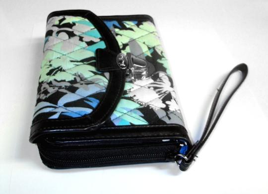 Vera Bradley All in One ID Wristlet Accordion Camofloral Image 4