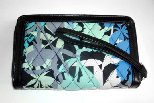Vera Bradley All in One ID Wristlet Accordion Camofloral Image 5