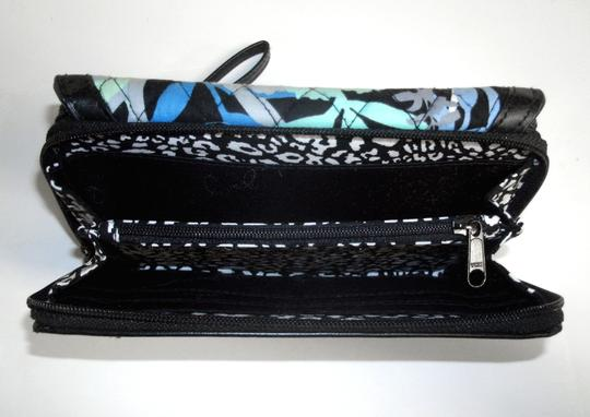 Vera Bradley All in One ID Wristlet Accordion Camofloral Image 9