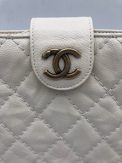 Chanel white Clutch Image 5