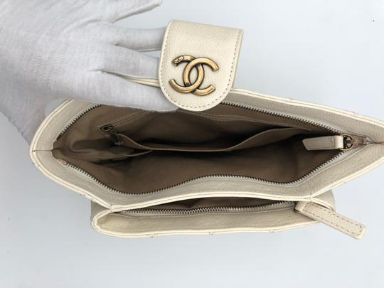 Chanel white Clutch Image 6