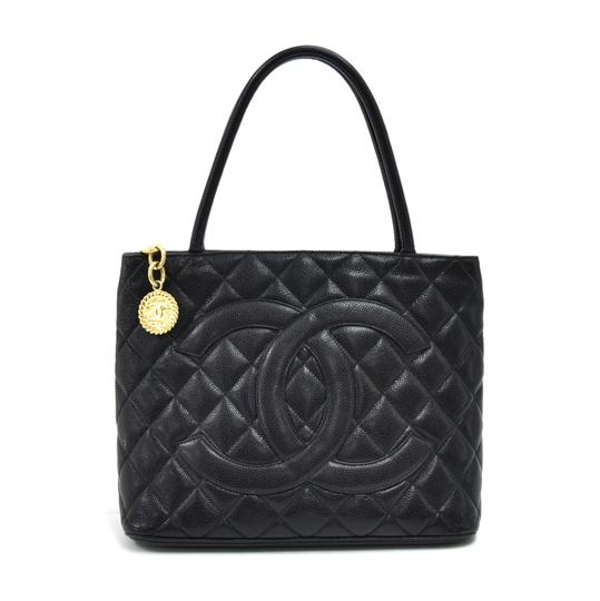 Preload https://img-static.tradesy.com/item/26161871/chanel-bag-medallion-quilted-caviar-black-leather-tote-0-0-540-540.jpg