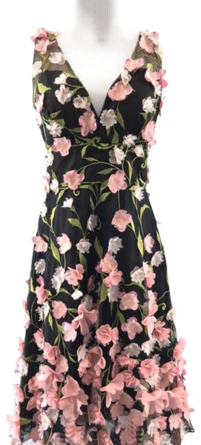 Preload https://img-static.tradesy.com/item/26161886/marchesa-notte-floral-mid-length-cocktail-dress-size-4-s-0-2-650-650.jpg