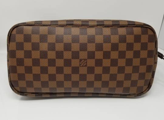 Louis Vuitton Lv Shoulder Neverful Damier Ebene Tote in Brown,Red Image 4