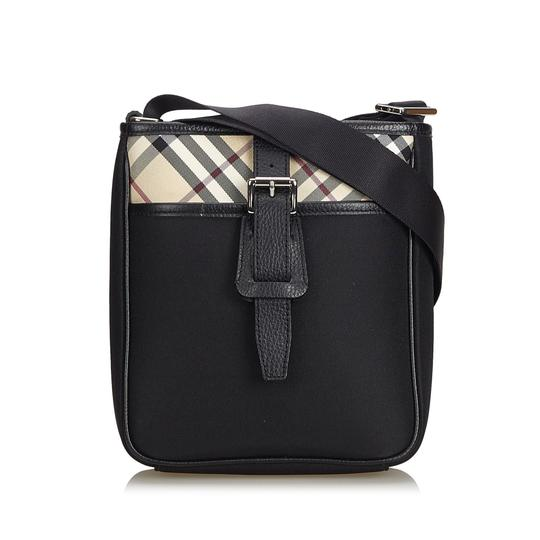 Preload https://img-static.tradesy.com/item/26161968/burberry-with-multi-nylon-fabric-black-leather-cross-body-bag-0-0-540-540.jpg