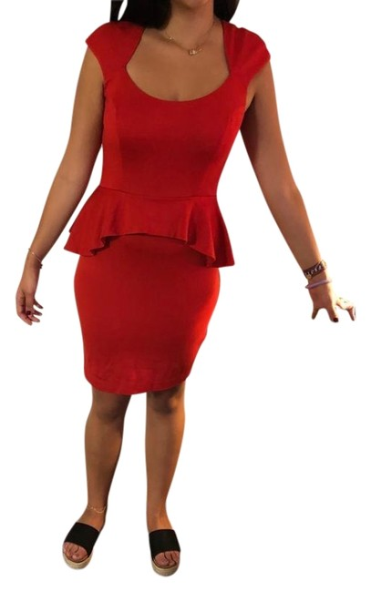 Item - Red Mid-length Night Out Dress Size 12 (L)