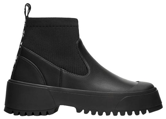 Preload https://img-static.tradesy.com/item/26162020/zara-black-style-flat-ankle-with-lug-soles-bootsbooties-size-us-9-regular-m-b-0-5-540-540.jpg