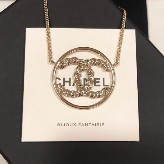 Chanel 2019 CC Logo Rounded Crystals GHW Image 6