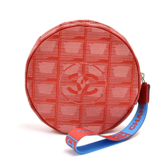 Preload https://img-static.tradesy.com/item/26162190/chanel-travel-line-jacquard-round-red-nylon-wristlet-0-0-540-540.jpg