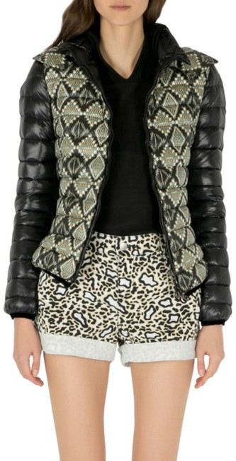 Preload https://img-static.tradesy.com/item/26162227/etro-black-aztec-print-detachable-hood-detail-puffer-jacket-size-10-m-0-1-650-650.jpg
