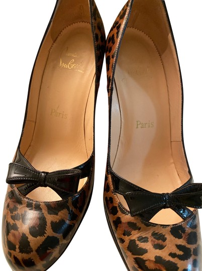 Preload https://img-static.tradesy.com/item/26162300/christian-louboutin-leopard-print-leather-black-patent-bow-pumps-size-eu-38-approx-us-8-regular-m-b-0-1-540-540.jpg