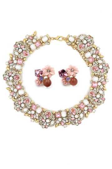 Preload https://img-static.tradesy.com/item/26166902/pink-elegant-crystal-flower-earrings-necklace-0-0-540-540.jpg
