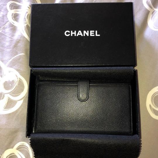 Chanel Chanel black caviar leather bifold with coin pouch Image 1