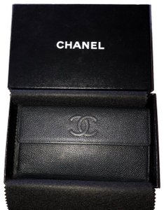 Chanel Chanel black caviar leather bifold with coin pouch