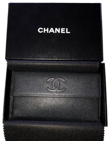 Chanel Chanel black caviar leather bifold with coin pouch Image 0