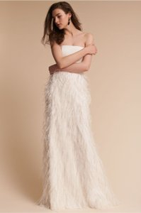 Watters Ivory Feather Whim Modern Wedding Dress Size 4 (S)