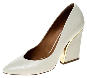 Chloé Leather Beige Pumps