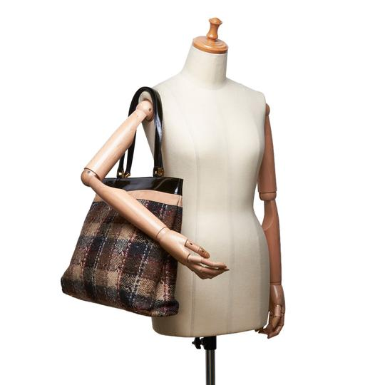 Burberry 9gbuto023 Vintage Patent Leather Tote in Brown Image 6