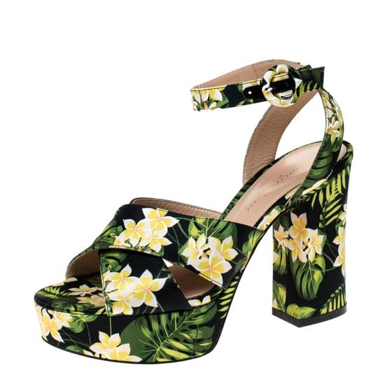 Preload https://img-static.tradesy.com/item/26167196/gianvito-rossi-multicolor-printed-floral-satin-cross-strap-platform-sandals-size-eu-36-approx-us-6-r-0-0-540-540.jpg