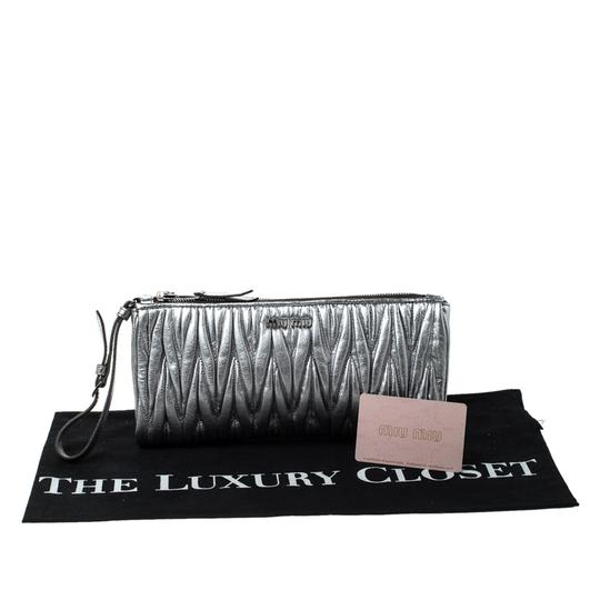Miu Miu Leather Fabric Silver Clutch Image 10