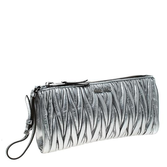 Miu Miu Leather Fabric Silver Clutch Image 4