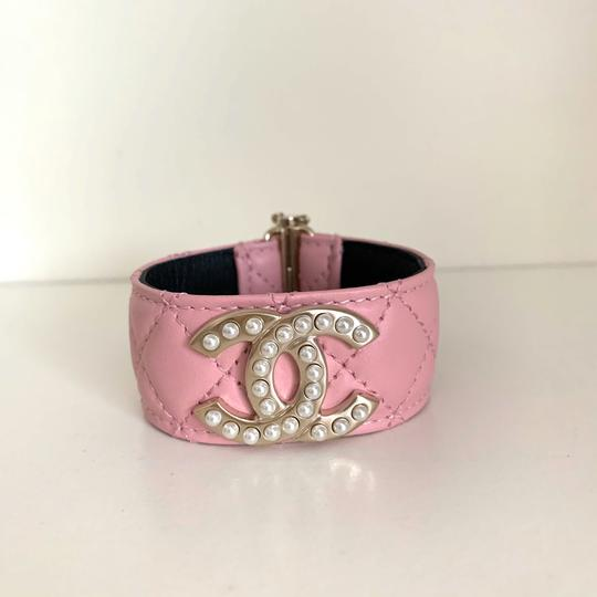 Chanel quilted pearl cuff Image 10