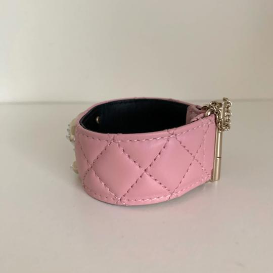 Chanel quilted pearl cuff Image 3