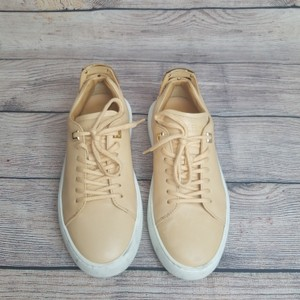 Buscemi Natural Athletic