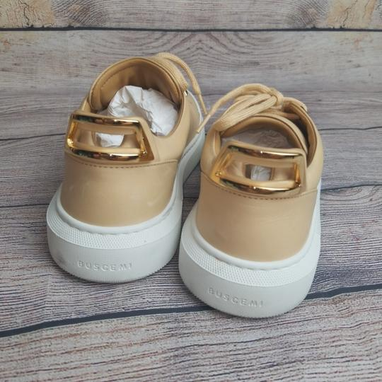 Buscemi Natural Athletic Image 2