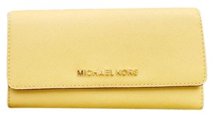 Michael Kors Michael Kors Jet Set Large Trifold Wallet Dusty Daisy Yellow