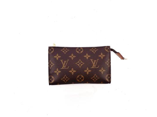 Preload https://img-static.tradesy.com/item/26172897/louis-vuitton-brown-pochette-toiletry-17-monogram-canvas-leather-travel-dopp-cosmetic-bag-0-0-540-540.jpg