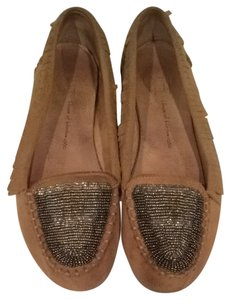 House of Harlow 1960 Neutral Flats