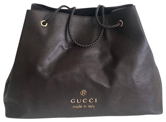 Preload https://img-static.tradesy.com/item/26173900/gucci-large-with-braided-handles-brown-leather-tote-0-2-540-540.jpg