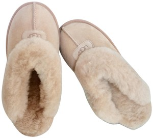 UGG Australia New With Tags Cream Mules