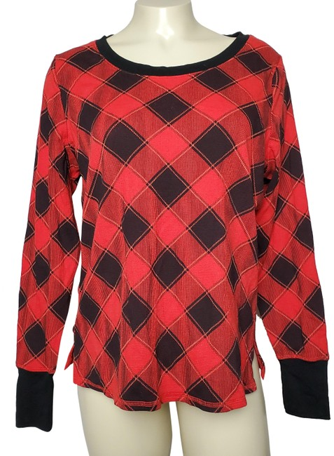 Preload https://img-static.tradesy.com/item/26174124/victoria-s-secret-plaid-long-sleeves-boat-neck-banded-hems-red-sweater-0-2-650-650.jpg