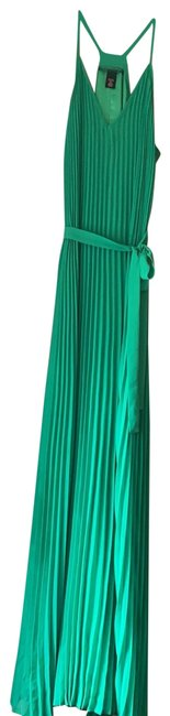 Preload https://img-static.tradesy.com/item/26174602/victoria-s-secret-green-accordion-long-cocktail-dress-size-petite-4-s-0-2-650-650.jpg