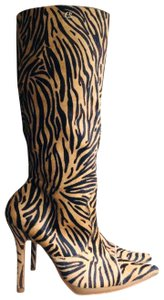 Carmen Steffens Black and Brown Boots