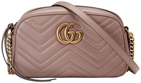 Preload https://img-static.tradesy.com/item/26182936/gucci-marmont-gg-small-matelasse-dusty-pink-leather-shoulder-bag-0-1-540-540.jpg