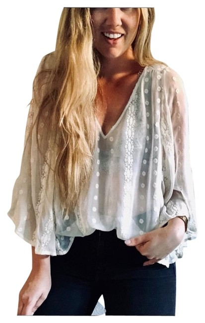 Preload https://img-static.tradesy.com/item/26182943/anthropologie-white-zoa-embroidery-peasant-poncho-blouse-size-4-s-0-1-650-650.jpg