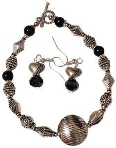 handmade Handmade Black Onyx Gemstone Silver Tone Bracelet Earrings Set