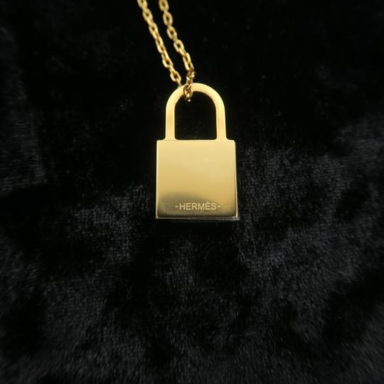 Hermès Hermès Yellow Gold Kelly Cadenas Amulette Pendant Necklace Image 10