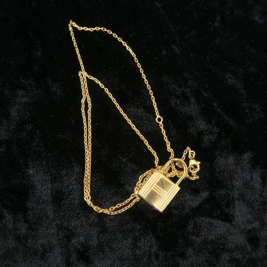 Hermès Hermès Yellow Gold Kelly Cadenas Amulette Pendant Necklace Image 4