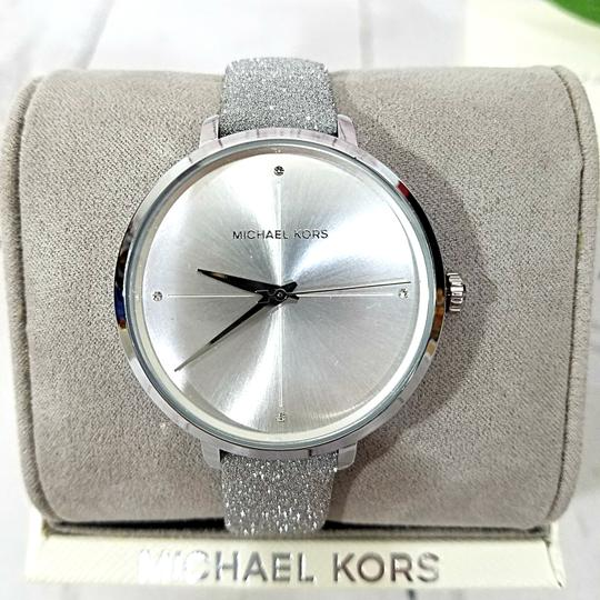 Michael Kors NEW Women's Charley Silver-Tone Watch MK2793 Image 3