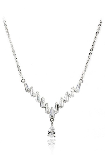 Preload https://img-static.tradesy.com/item/26183542/silver-delicate-pendant-crystal-necklace-0-0-540-540.jpg